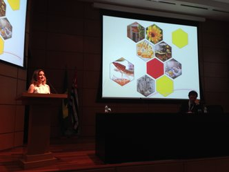 Caso de sucesso: Apis Flora apresenta projeto de pesquisa em cerimônia da FAPESP
