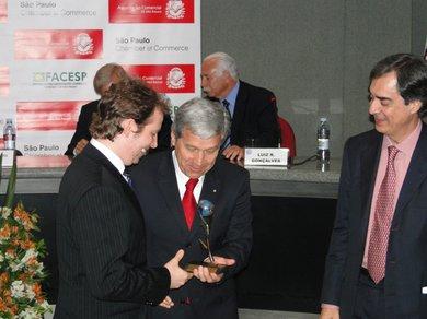 Apis Flora recebe o Prêmio Exporta São Paulo